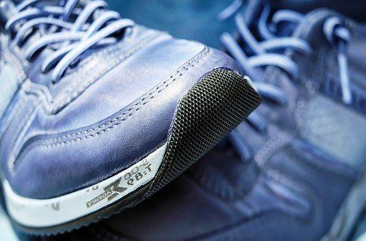 Welke schoenen kunnen mannen dragen op casual Friday?